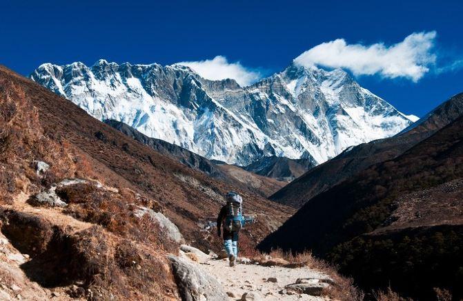 尼泊尔国内航线全部是小型飞机运营,失事率较高.