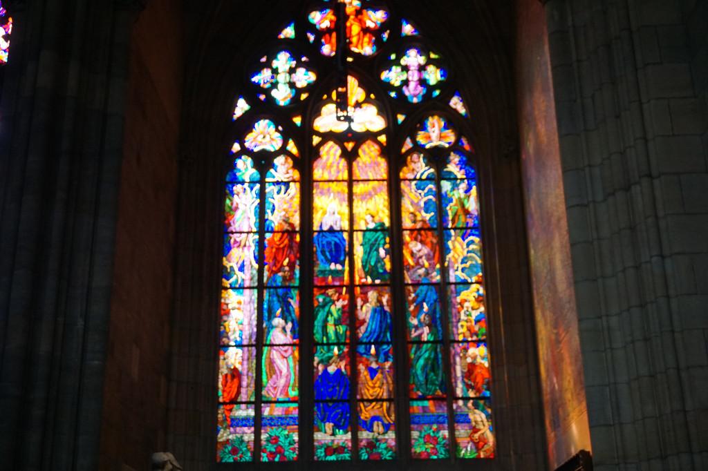 城堡区大教堂的窗花,典型的哥特式,欧洲很常见,非常漂亮