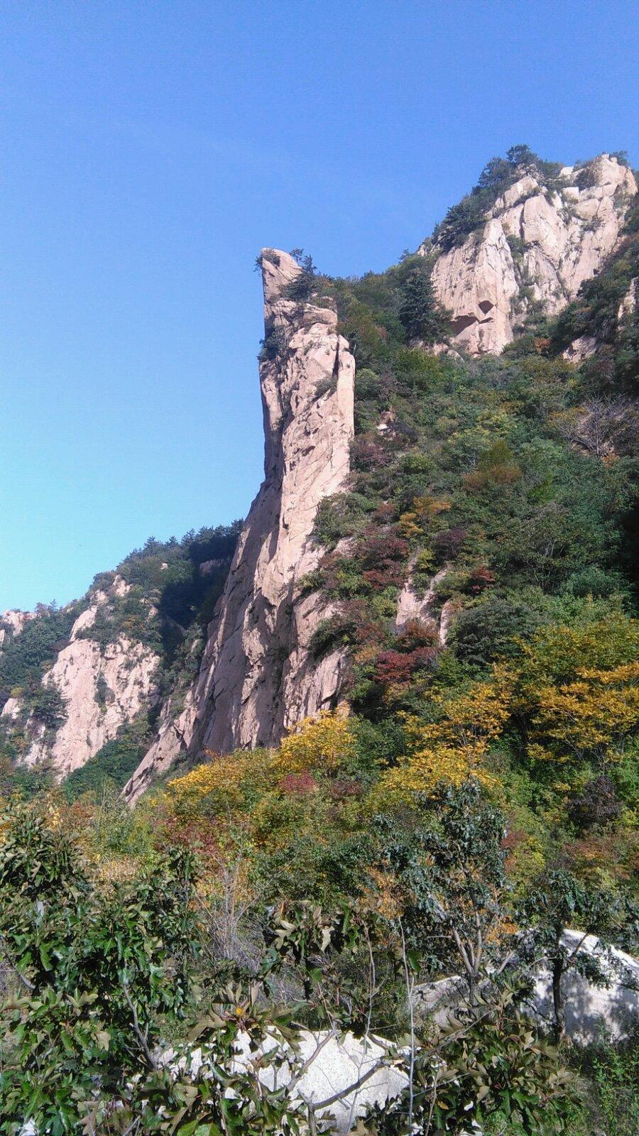 雾灵山曾是大清的龙脉所在地,是皇家上风上水的风水