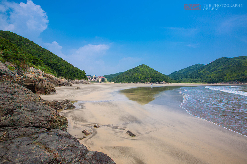 暑假去哪儿玩|找一个有山有海的地方,钓鱼,放羊,抓螃蟹,过着向往的