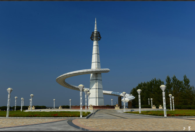 三江口广场的起点纪念塔