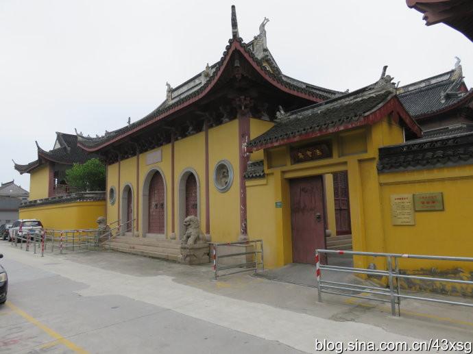 青龙寺青龙塔,辖地属白鹤镇(原青龙镇)而非重固镇.