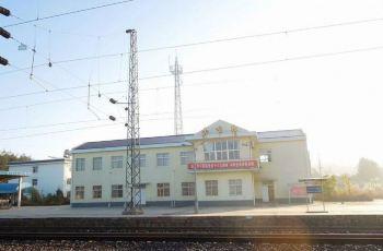 昆明机场/火车站
