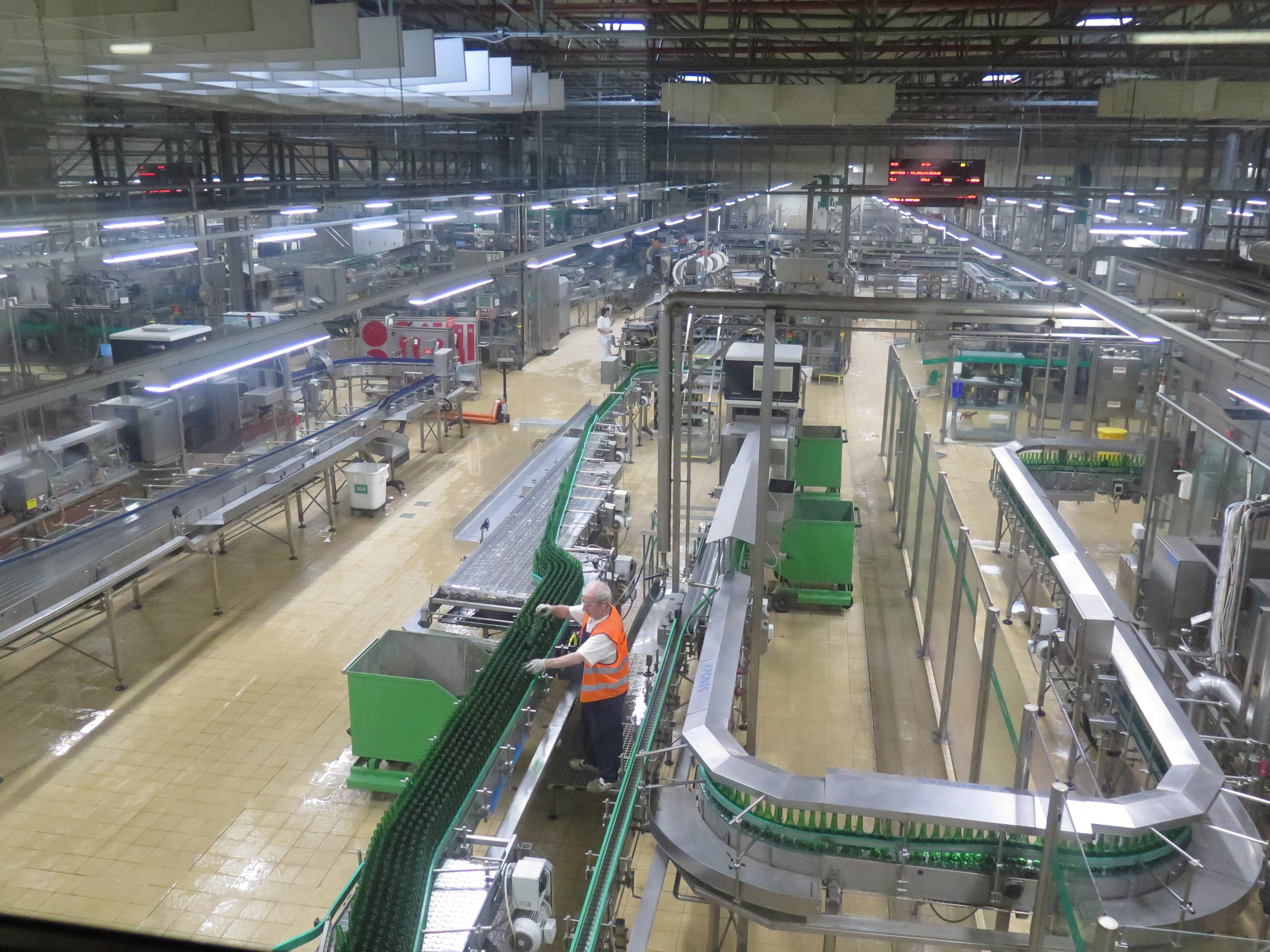 啤酒厂       皮尔森啤酒依然保持低温发酵方法.