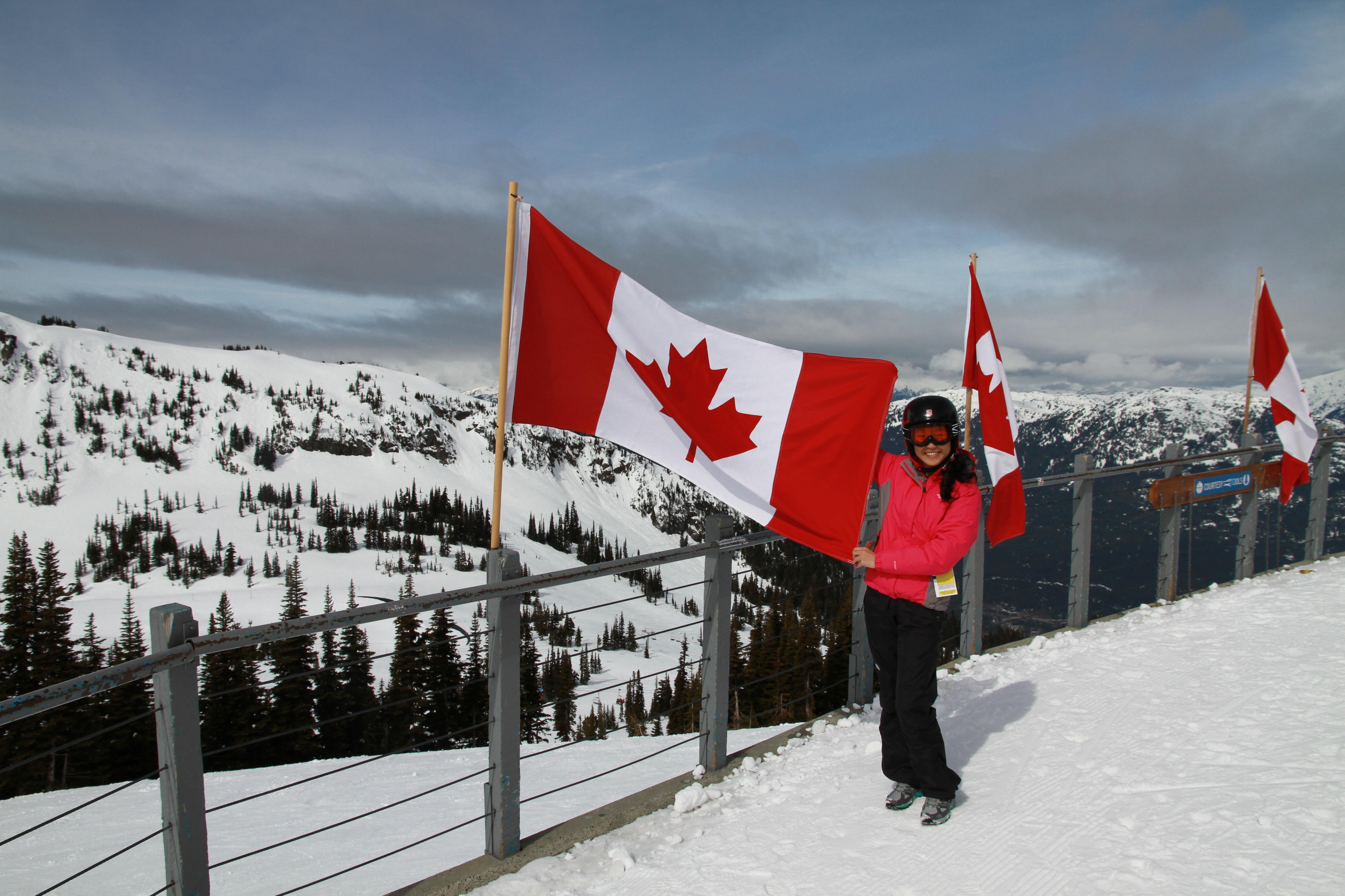 山顶餐厅加拿大国旗-惠斯勒 山顶餐厅图片