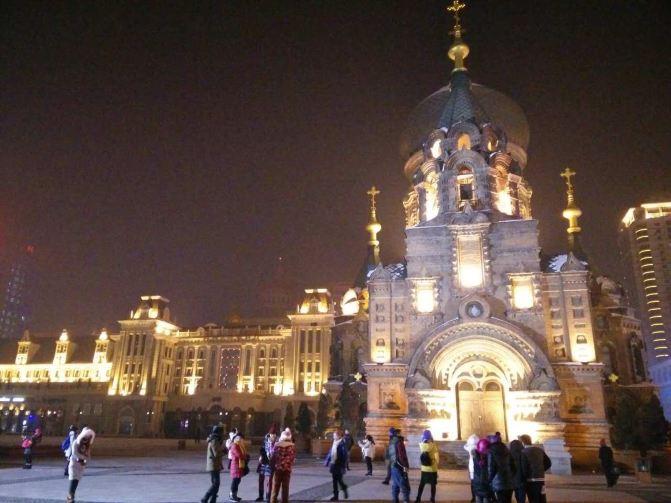 圣索菲亚教堂是哈尔滨的地标建筑.它见证了哈尔滨的近代历史.