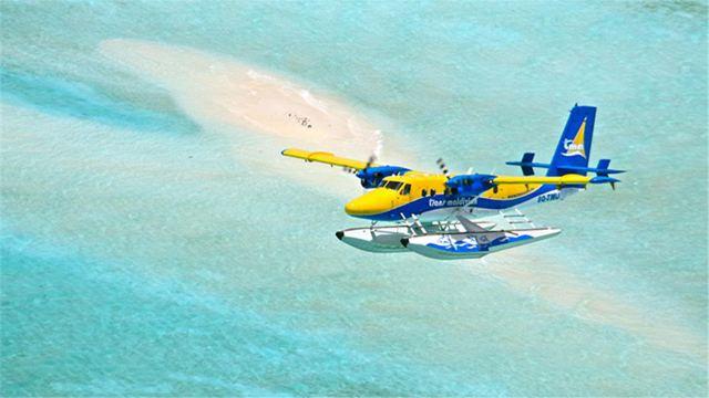 水上飞机起飞时一般先在海面上滑行一段距离后升空