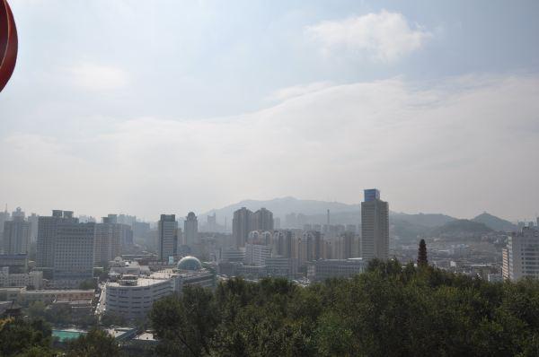 可以俯瞰乌鲁木齐市全貌
