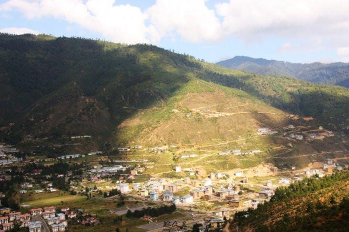 37日照半山,不丹香格里拉一般的风景如画,越发美丽动人