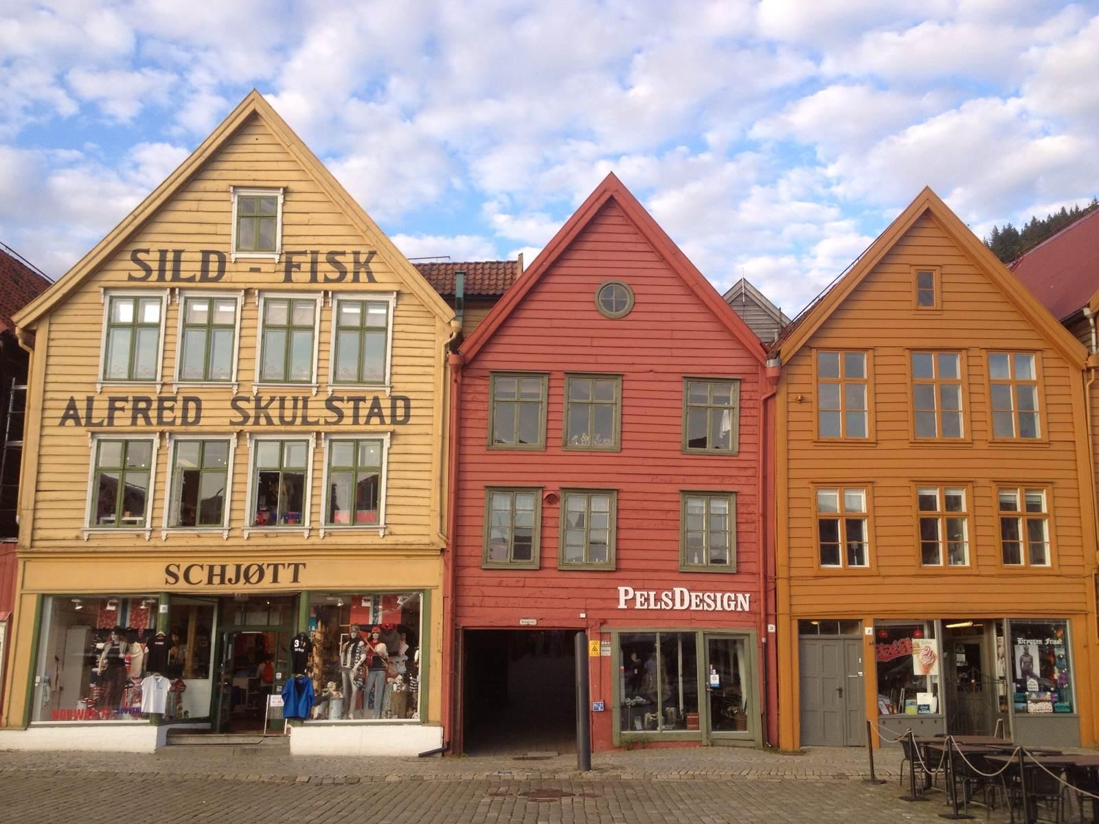 古老的彩色木屋建筑群