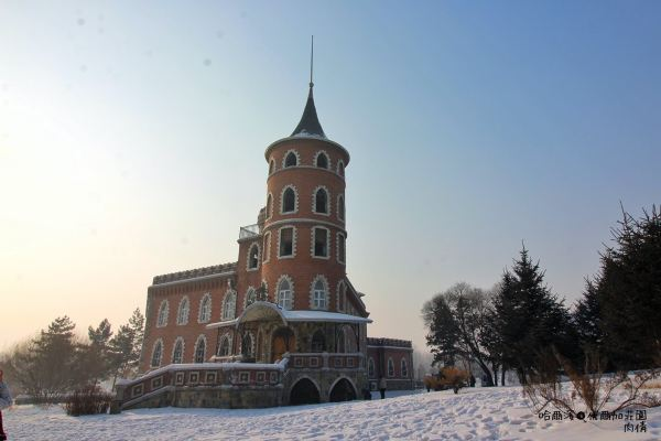 雪中的欧式城堡