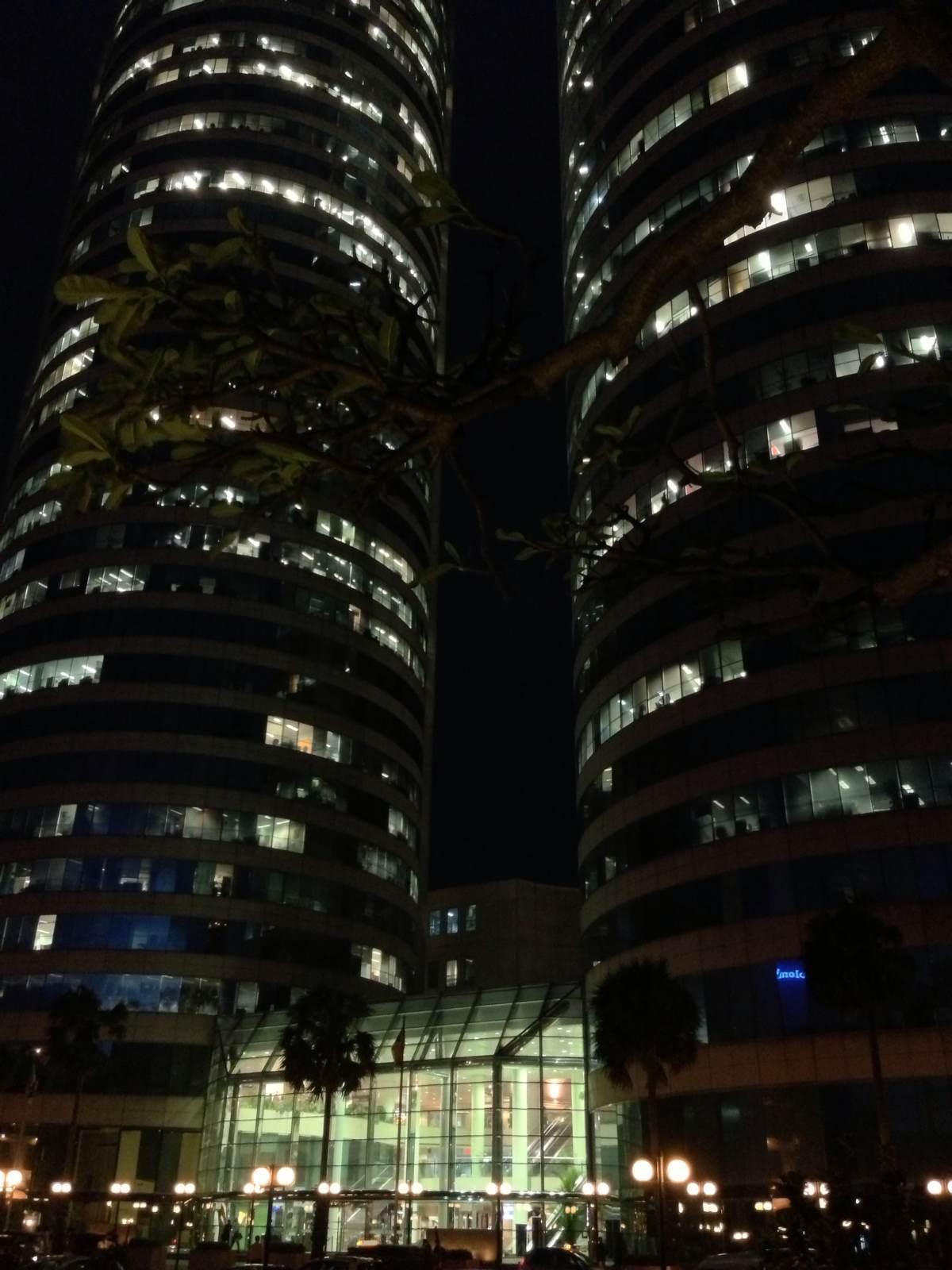 夜幕下的世贸中心双塔
