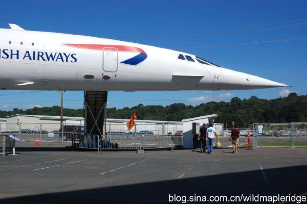 当时超音速喷气式飞机已经普及