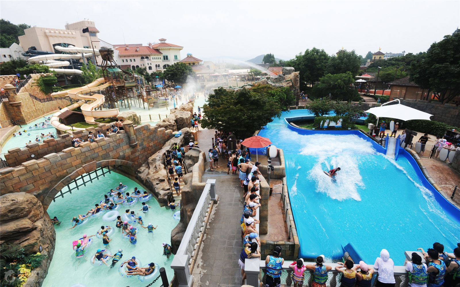 是韩国最有代表性的主题公园,由40多种游乐设施和一座综合野生动物园