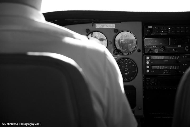 飞机上的仪表盘