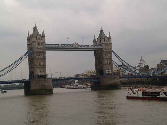 法国塔桥超高清图片