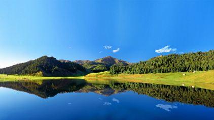 天山大峡谷景区-天鹅湖