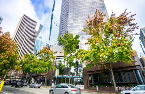 美國西雅圖+波音飛機廠+流行文化博物館+奇胡利玻璃藝術園+哥倫比亞中心一日遊(拼車)