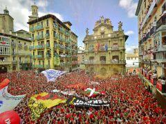 """一年一度的奔牛狂欢-""""超好玩""""的西班牙就在这里"""