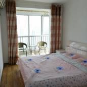 青島黃島城市陽台海水浴場套二溫馨海景房公寓(2號店)