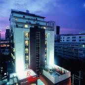 素坤逸富麗華酒店