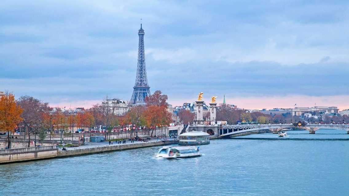 法國巴黎塞納河遊船+埃菲爾鐵塔二層+城市觀光巴士一日遊(熱銷產品 中文語音講解器)