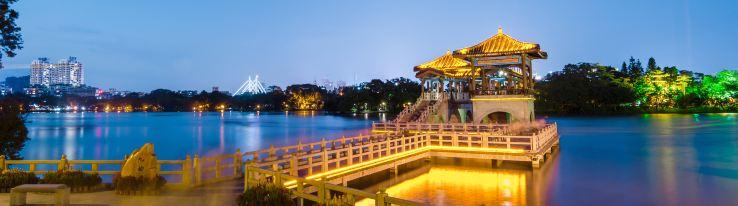 九曲桥夜色