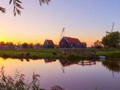 荷兰桑斯安斯风车村+马尔肯+沃伦丹半日游