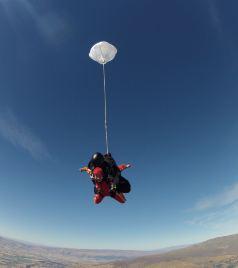 新西兰游记图文-Flying in Middle Earth-单身女孩巴士游新西兰(霍比特人&银河&跳伞)