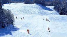 现代星宇滑雪度假村
