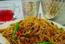 甲米美食图片-泰式炒面