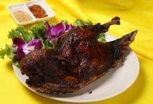 巴厘岛美食图片-脏鸭餐