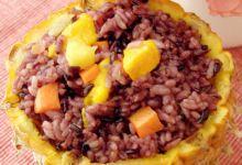 西双版纳美食图片-菠萝紫米饭